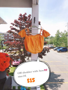 【Moving Sale!】Flattering Orange Top with a bow