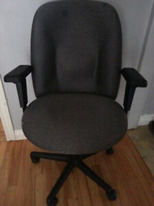 Nice office chair $60