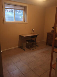 Rooms near U of C train station for rent