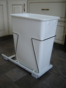 Pull-out Trashcan/Recycling Bin - PRICE REDUCED!