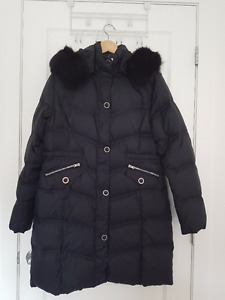 Manteau d'hiver 3/4 noir en duvet collet en fourrure