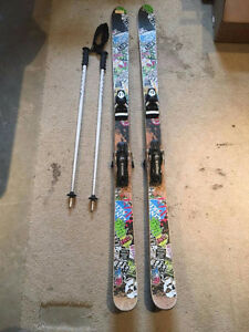 PERFECT CONDITION 170CM SKIS + POLES