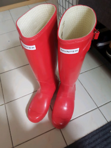 Red Hunter boots, like new