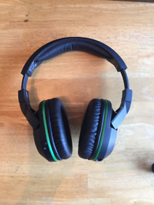 Xbox One Turtlebeach Headset and Games
