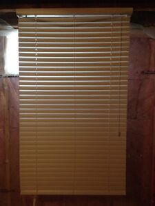 """32"""" white faux wood blinds"""