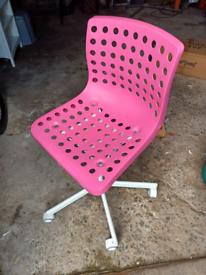 Kids desk chair Pink