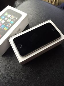Mint condition IPhone 5s 32gb