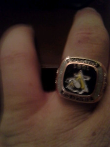 Pittsburgh penguin's  1991 Stanley's cup champiomship ring