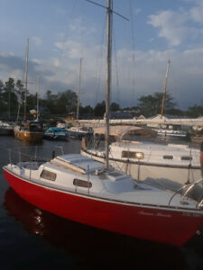 For Sale 1979 Hallmaster 22FT sailboat & trailer