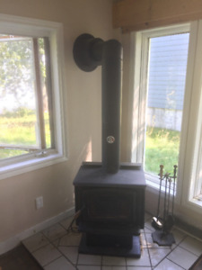 Poele a Bois Pacific Energy Wood Stove