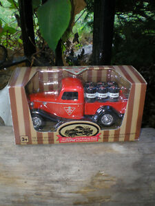 CANADIAN TIRE 1/24 Sc Die Cast Truck Series 1935 FORD Fuel Truck
