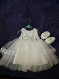 Christiening dress size 6-9 m