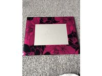 Next pictures frames x2 and Next placemats x2