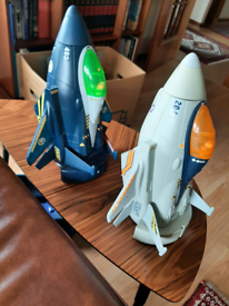 Vivid imaginations toys fighter planes toys in good working order