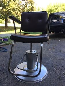 Barber chair Oakville / Halton Region Toronto (GTA) image 3