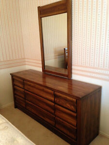 Solid oak dresser & mirror, chest of drawers, night table