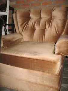 Couch and Matching Chair For Sale Windsor Region Ontario image 2