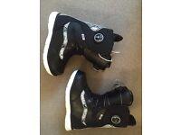 Vans uk 4 snowboard boots