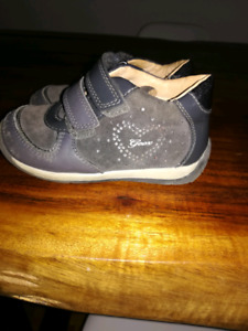 Chaussures GEOX pour bébe fille