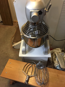 20 Qt. mixer in excellent condition