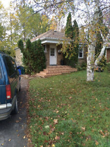 3 Bedr Bungalow for rent Blair and Montreal walk to NRC CSIS