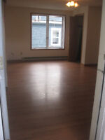 LARGE 3 BEDROOM UNIT ON DOUGLAS AVE AVAILABLE OCT 1ST