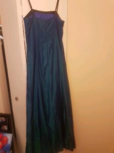 Size 5 blue-green dress