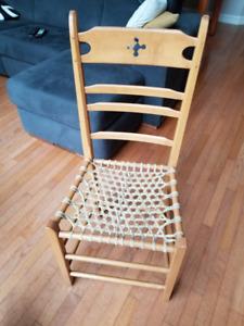 4 chaises en bois faites main - fond en babiche véritable