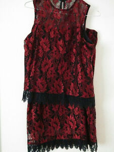 Robe Red black lace size 10 $150