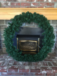 Beautiful 40 inch Artificial Wreath - Like New