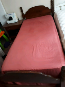 Twin Bed Set, Headboard, Footboard, rails, Mattress & Box Sprin