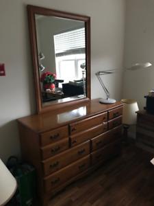 Roxton Bedroom Set