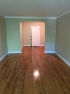 LARGE RENOVATED 3.5 LOCATED IN NDG