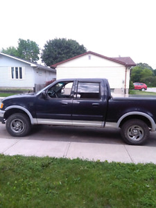 2000 Ford F-150 SuperCrew XLT 4X4 - as is