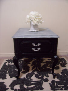 Elegant Black and Grey Queen Anne Side/End Table