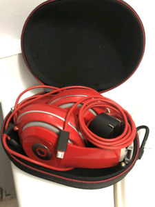 DRE STUDIO 2 BEATS. RED BRAND NEW. GOT IT AS A GIFT