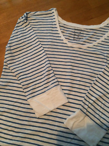 """GAP"" Maternity Top (size medium) - CHEAP - excellent condition"