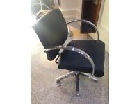 Hydraulic salon chairs