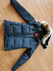 Ladies XS winter coat, new condition