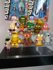 Kidrobot futurama vinyl figures with accessories included new