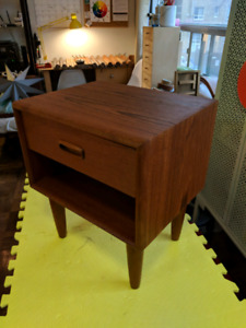 *VINTAGE* Teak end table
