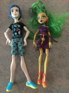 A Selection of Monster High Dolls & Figurines.