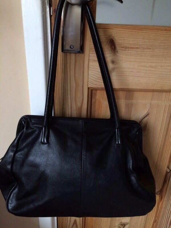 Rocha John Black Leather Hand Shoulder Bag