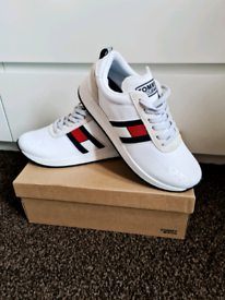 Brand New Tommy Hilfiger Trainers Size 7