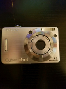 Sony Cybershot 7.2 MP Digital Camera