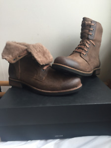 BRAND NEW MEN LARUS UGG BOOTS BROWN