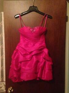 Mint Condition Dress Perfect for Prom or Grade 8 Graduation