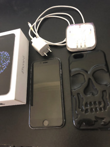 Iphone 6 gris, 64 gb, comme neuf avec Bell