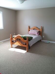 *FEMALES ONLY* All- incl. & furnished rooms w/ full 3-piece bath