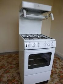 GAS COOKER NEW WORLD 18MONTHS OLD HARDLY USED DUE TO ILLNESS AS NEW